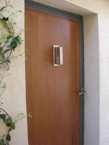 Paul blanc menuiserie nos r alisations de meubles entr e - Marteau de porte d entree ...